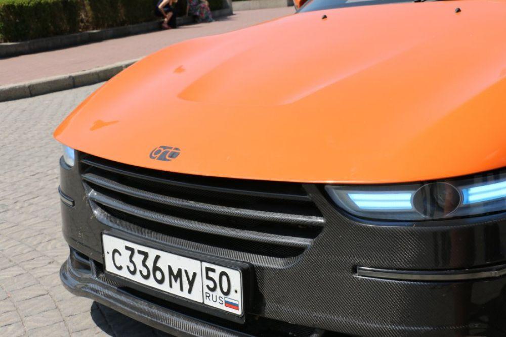 Основные узлы и агрегаты позаимствованы у распространенного в России автомобиля «Лада Калина».