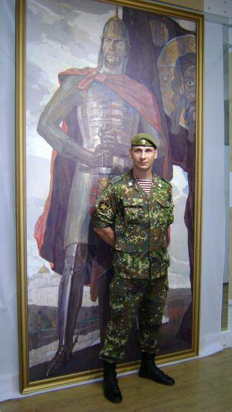 Силу и энергию страны, смысл её истории видит в полотнах старший прапорщик Сергей Аветисьян.