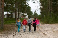 Дети, спасённые в ходе поисково-спасательной операции в районе озера Сямозеро в Карелии.