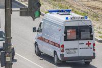 Два человека оказались в больнице после аварии на загородной трассе.