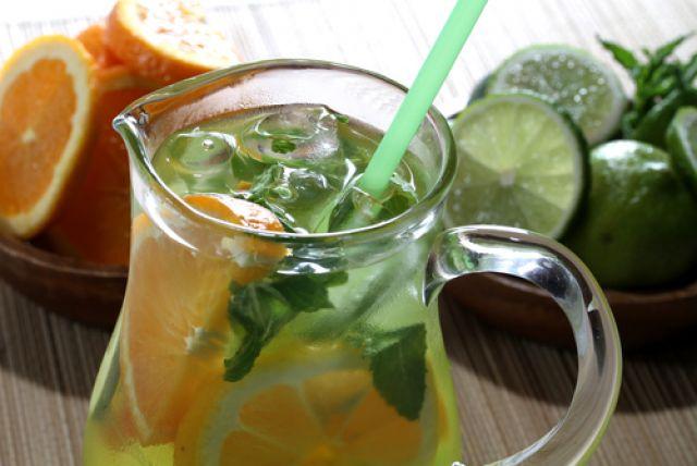 Безалкогольные напитки утоляют жажду, придают особый вкус и бодрят.