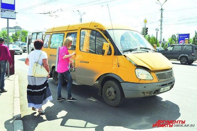 К осени число маршруток в Омске заметно сократится.