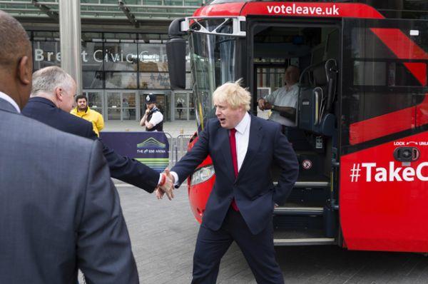 Бывший мэр Лондона Борис Джонсон прибыл для участия в телевизионных дебатах, проходящих в преддверии референдума по вопросу выхода Великобритании из Евросоюза, на арене Уэмбли в Лондоне.