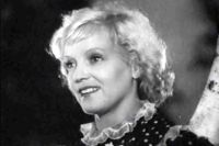 Марина Ладынина в фильме «В 6 часов вечера после войны», 1944 год.