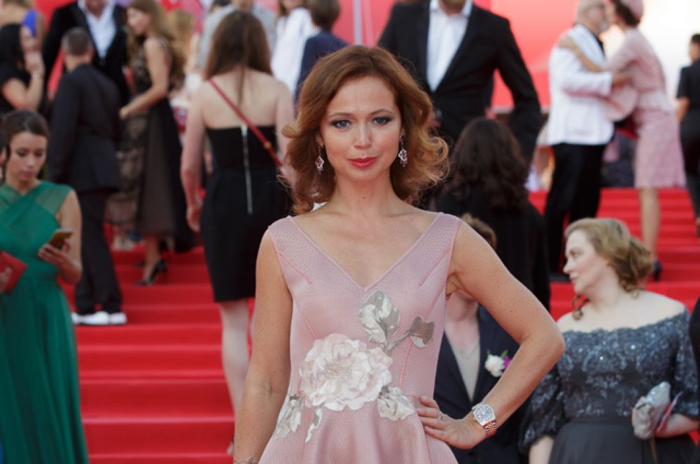 Актриса Елена Захарова.