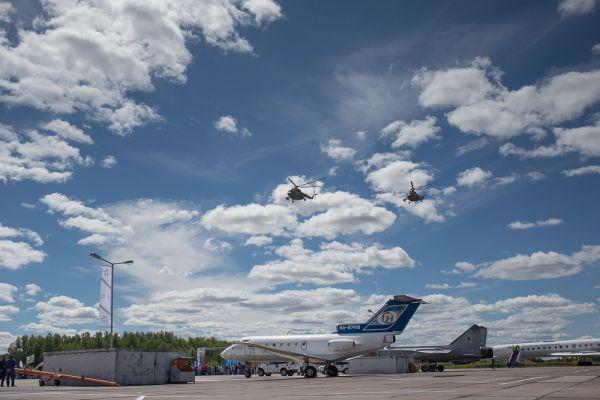 В воздухе снова появились вертолеты Ми-8.
