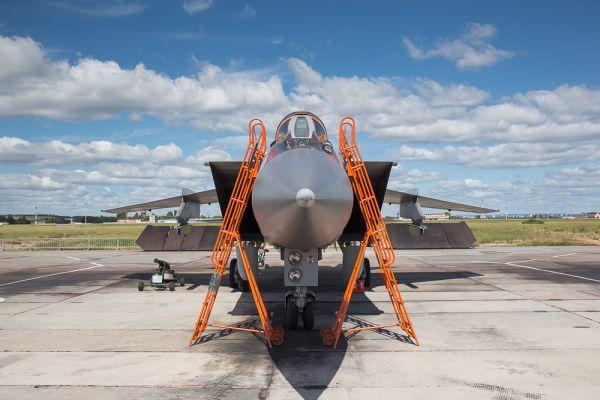 МиГ-31 - двухместный сверхзвуковой всепогодный истребитель-перехватчик дальнего радиуса действия.