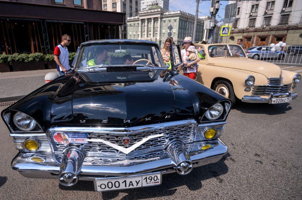 Автомобиль ГАЗ-13 «Чайка».