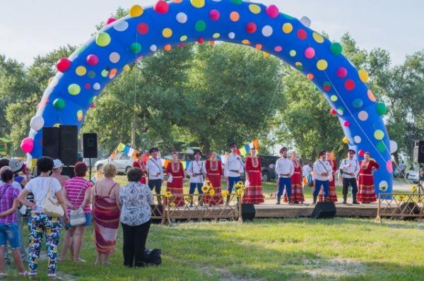 В третьи выходные июня по традиции казачья станица Романовская уже в 18-й раз проводила музыкальный праздник «Струны души».