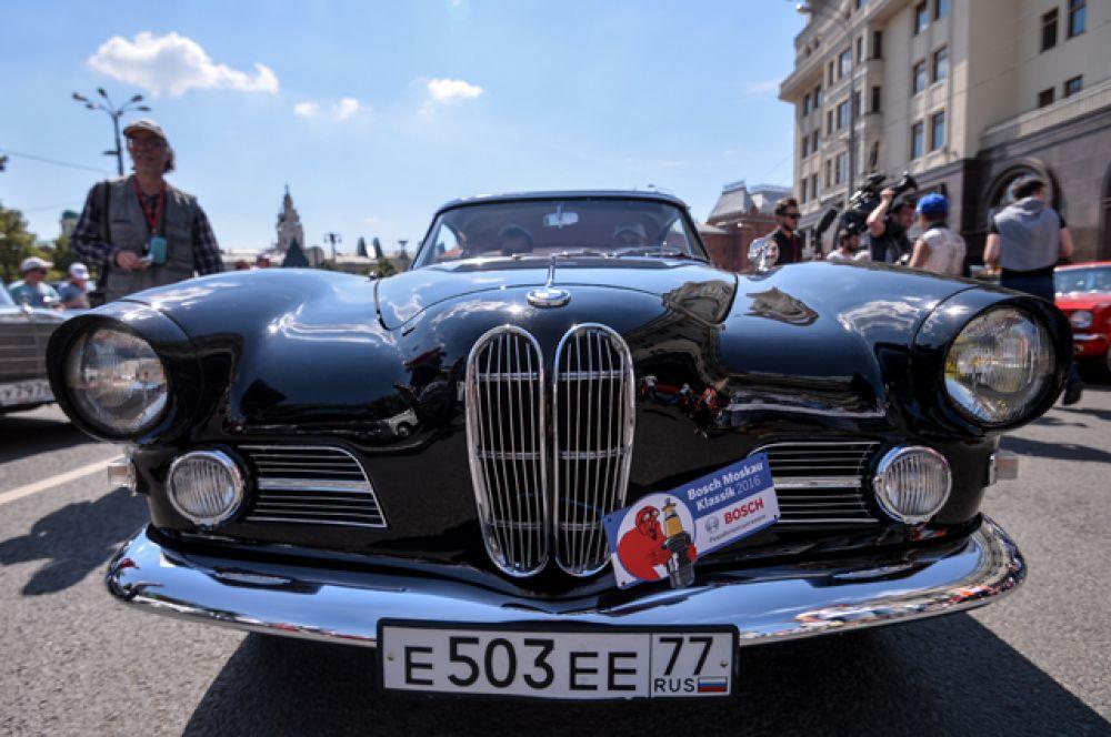 Автомобиль BMW 503 Coupе 1959 года выпуска.