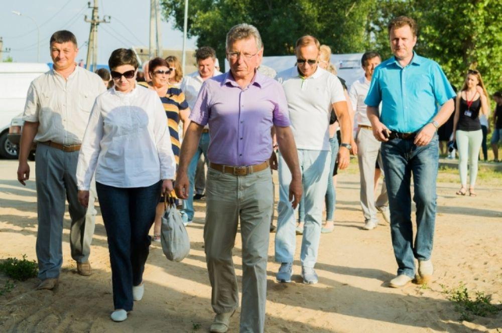 Принимаюшая сторона и организатор праздника - глава администрации Волгодонского района Виктор Мельников.
