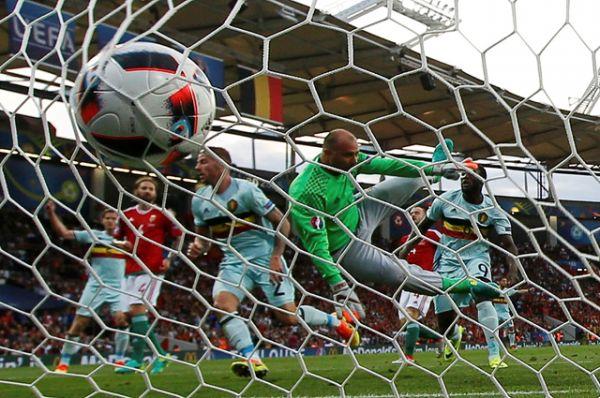 Бельгия разгромила Венгрию, одержав самую крупную победу на турнире (0:4).