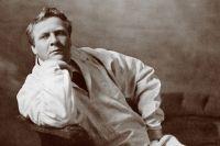 Вначале у певца сложились неплохие отношения с Советской властью, которая сначала отвечала ему взаимностью.