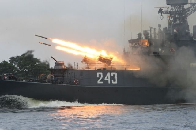 В Балтийском море проходят учения противолодочных кораблей Балтфлота.