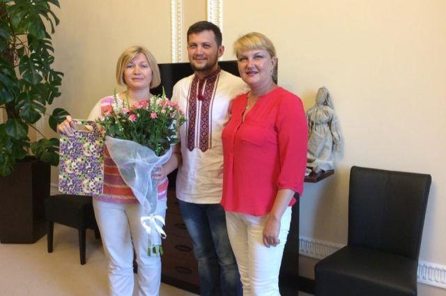 Геннадий Афанасьев с мамой Ольгой и Ирина Геращенко