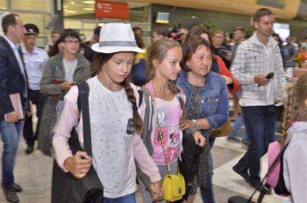 Приблизительно в 22.00 в аэропорту Стамбула произошли три взрыва