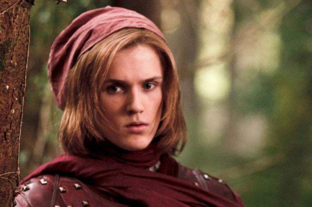 Лансель Ланнистер. Лансель Ланнистер пытался сорвать грандиозный план своей двоюродной сестры Серсеи, но стал первой жертвой взрыва дикого огня.