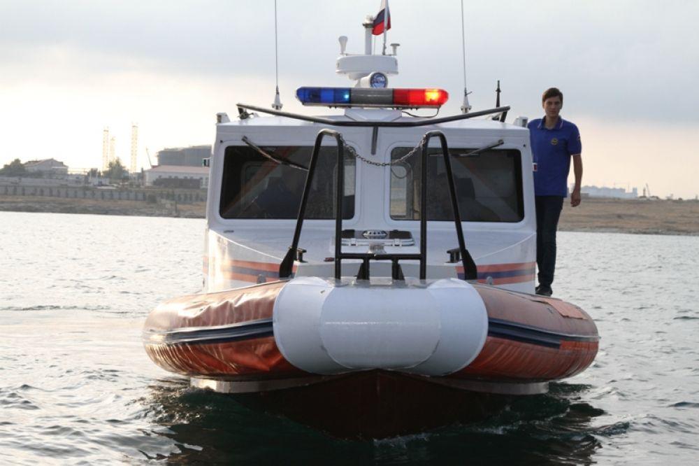 Снаряд решено было отбуксировать в открытое море, на безопасное расстояние.