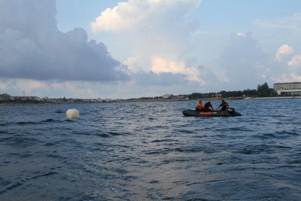 Сила гидроударной волны при взрыве в воде могла составить 2 километра.