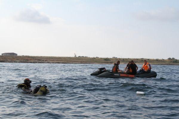 Для подтверждения информации о  находке к месту была направлена группа подводного разминирования.
