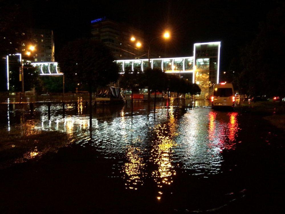 Так после ливней выглядел проспект Гагарина в Харькове