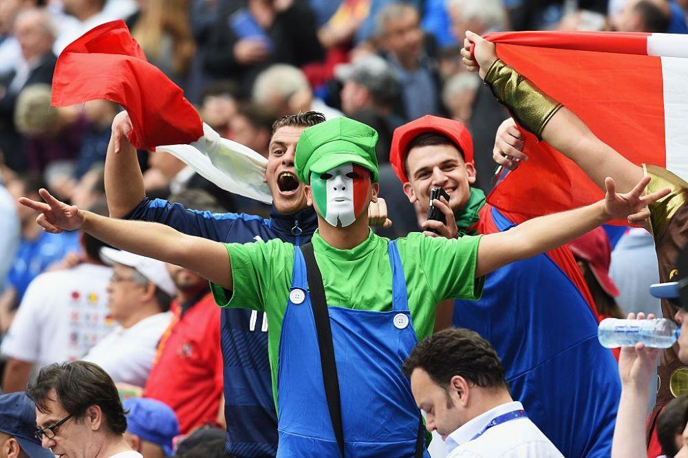 Сборная Италии может порадоваться таким ярким болельщикам