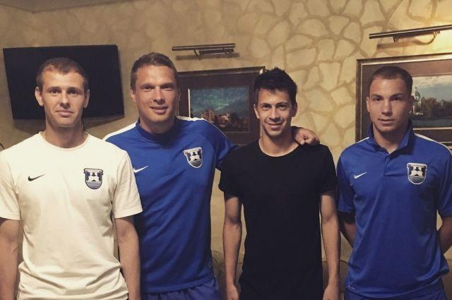 ФК «Балтика» подписал контракты с тремя защитниками.