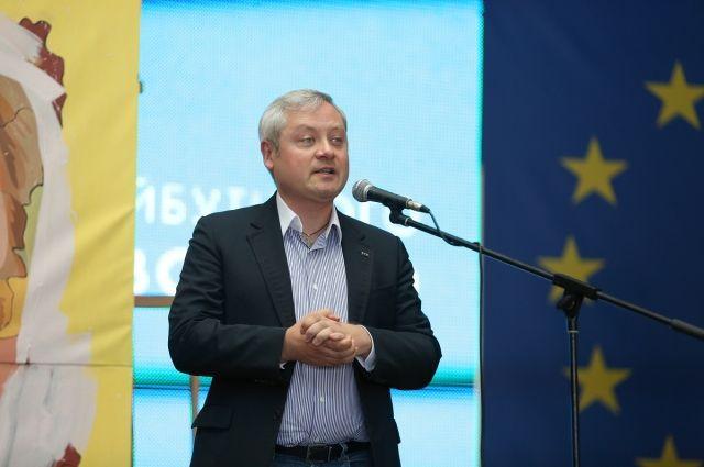 Меценат Игорь Янковский открывает церемонию награждения