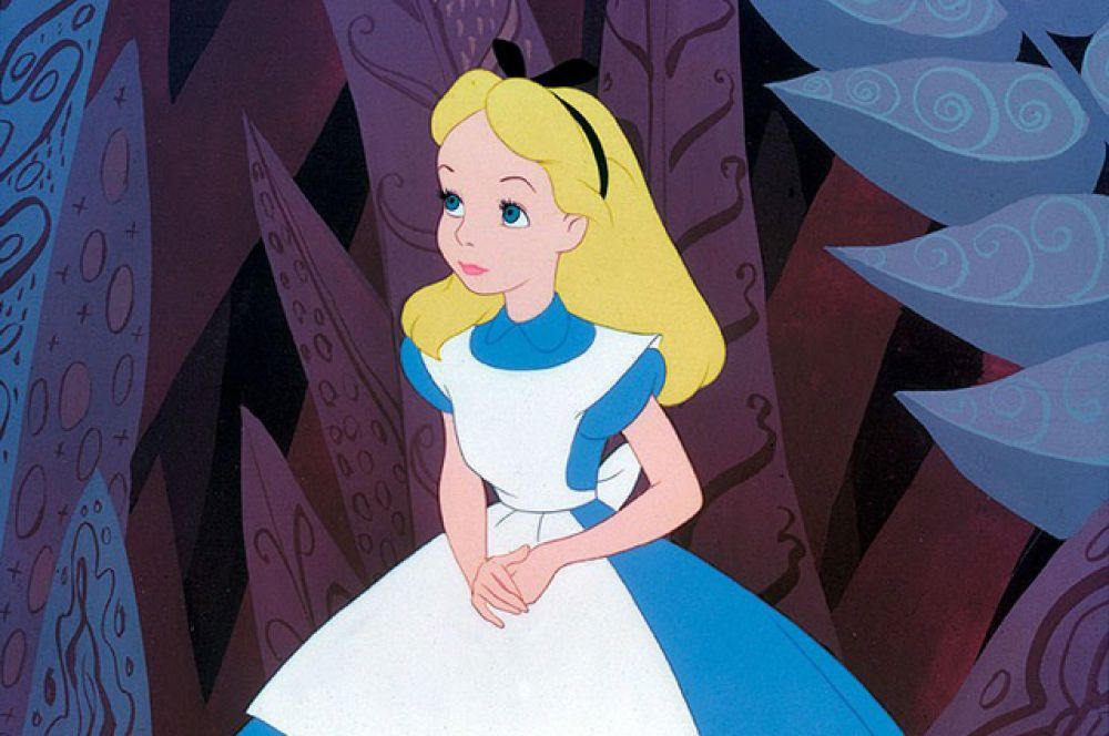 В 1951 году компания Уолта Диснея сняла свою версию «Алисы», впоследствии ставшую культовой.