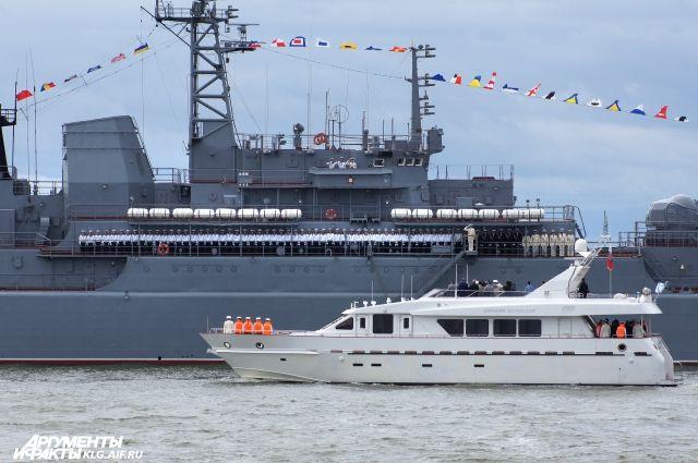 Более 30 кораблей и судов Балтфлота примут участие в праздновании Дня ВМФ.