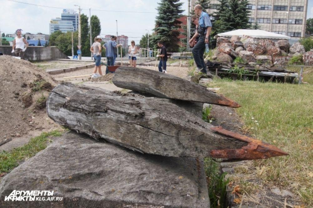Элементы, найденные во время раскопок.