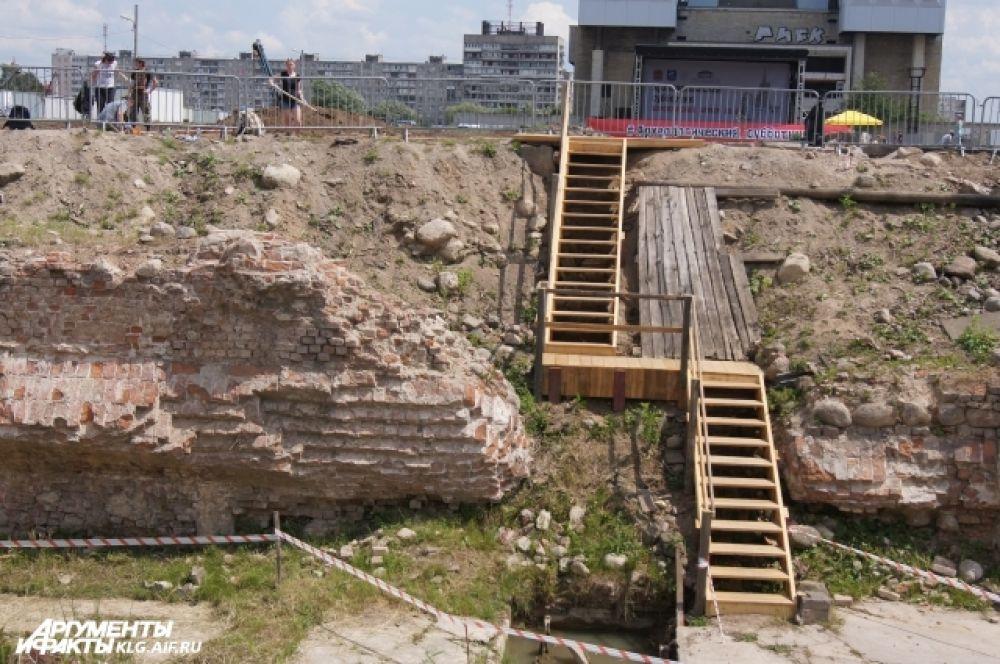 Сооружение постоянно перестраивалось, а в 60-х годах прошлого столетия было полностью утрачено, интерес к этому месту не утихал.