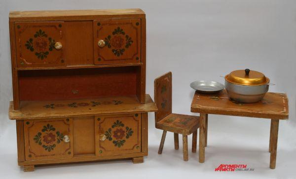 Мебель деревянная 70-годы