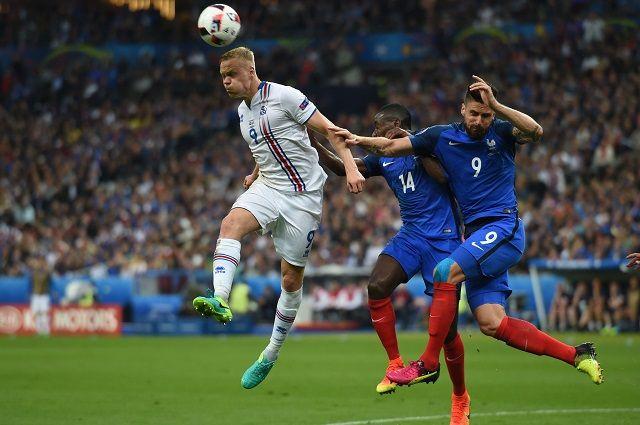 Сборная Франции уверенно обыграла Исландию и считается фаворитом домашнего Евро.