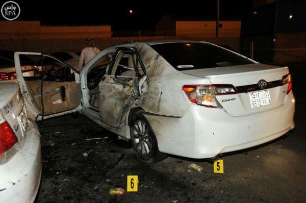 В результате произошедшего на близлежащей парковке загорелось несколько автомобилей.