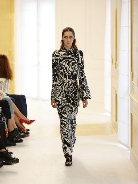 В этой коллекции от Диор была представлена одежда для сезонов осени и зимы