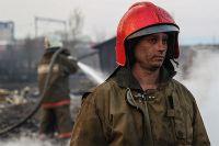 Пожарный каждую минуту рискует головой.