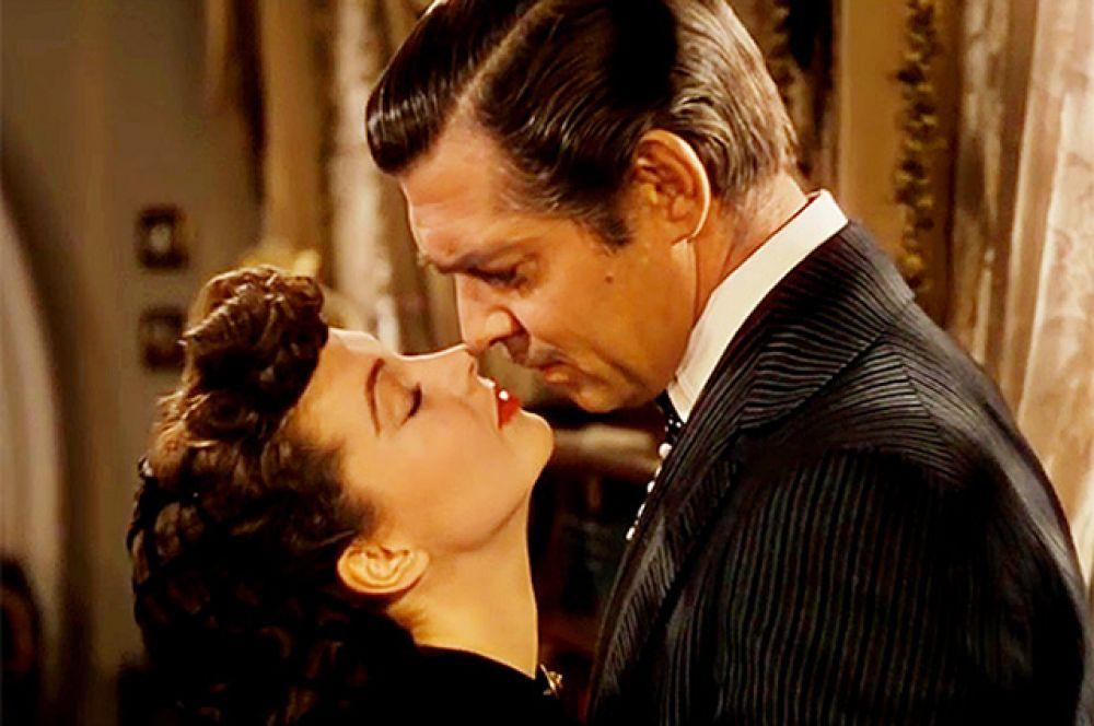 Поцелуй Рета Баттлера и Скарлетт из фильма «Унесённые ветром» – самый кассовый поцелуй американского кинематографа.