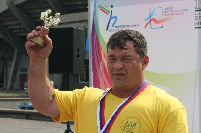 В соревнованиях приняли участие атлеты из 11 территорий СФО.