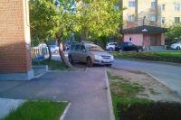 Кто первый встал, того и тротуар?