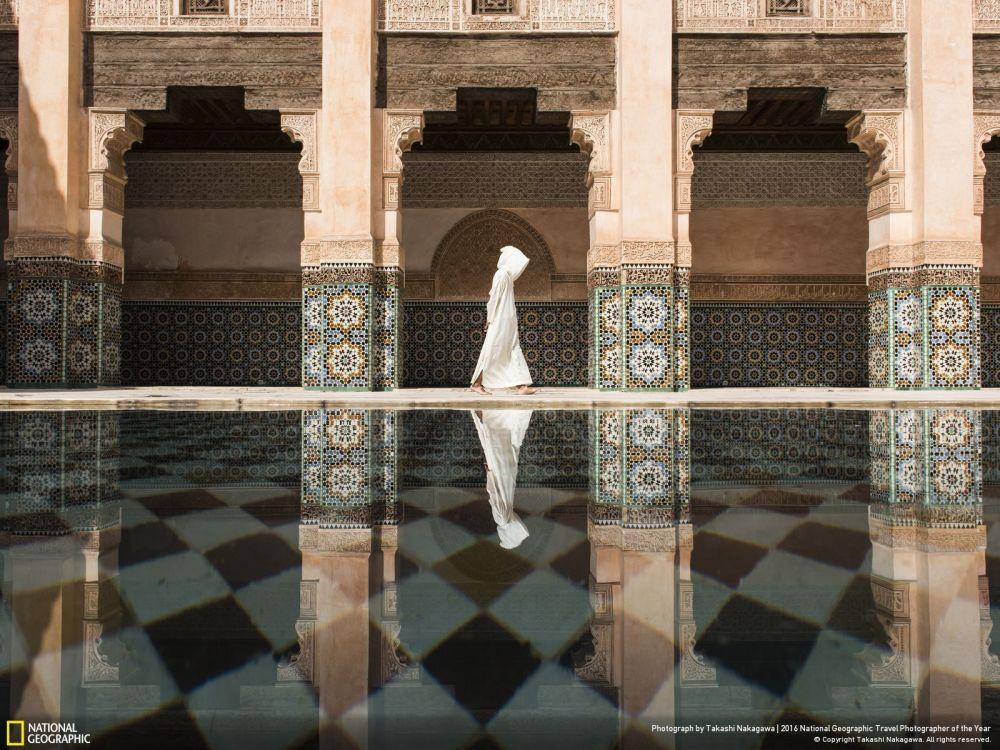В городской категории первое место занял снимок сделанный в Мароккской мечети, автором которого является Takashi Nakagawa