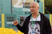 Актер и режиссер Гоша Куценко дает интервью перед премьерой своего режиссерского дебютного фильма «Врач». «Кинотавр»-2016.
