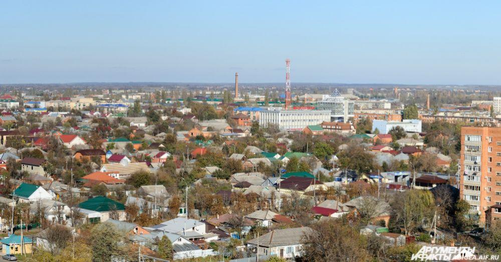 Вид на восточную часть города.