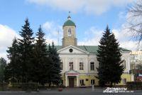 Здание гаупвахты построено в 1784 году, и сейчас это самое старое каменное здание Омска.
