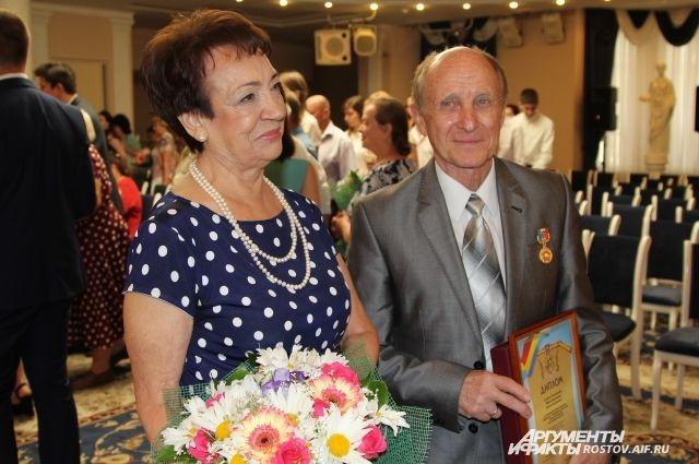 Супруги Пономаревы живут счастливо вместе уже полвека!
