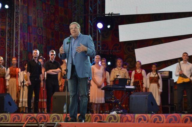 С каждым годом на фестиваль приезжает все больше уникальных коллективов.