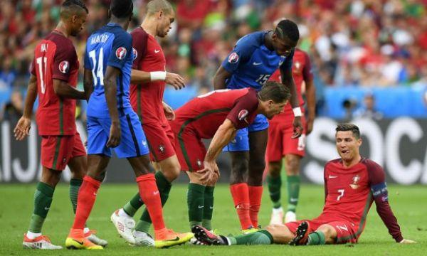 Криштиану Роналду не смог доиграть в финале чемпионата Европы Португалия - Франция