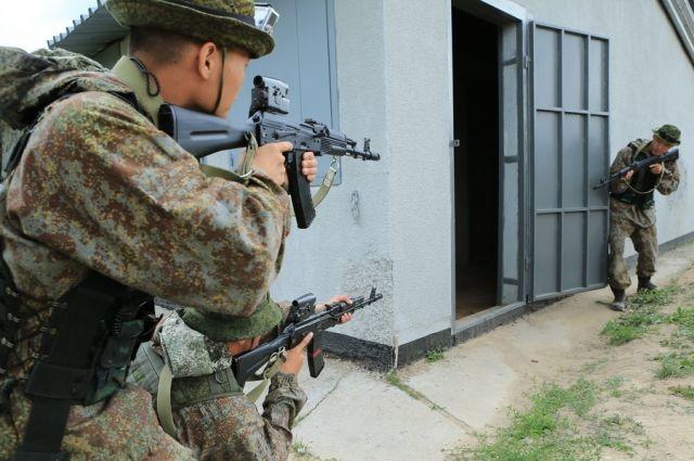Из российских и китайских военнослужащих сформировали два смешанных взвода.