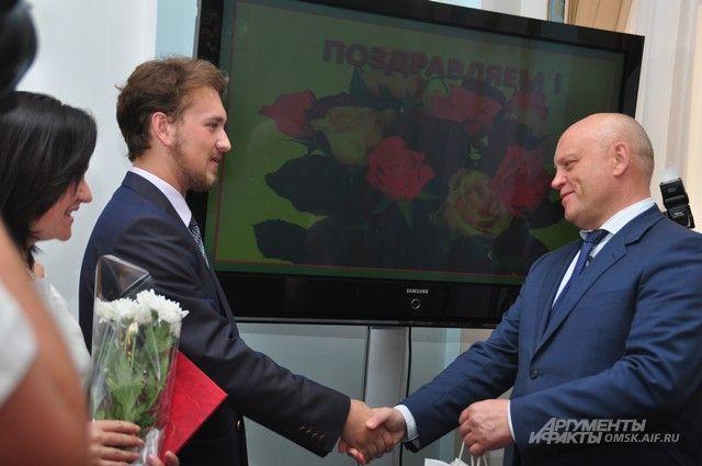Глава региона предложил коллегам последовать примеру Омской области.