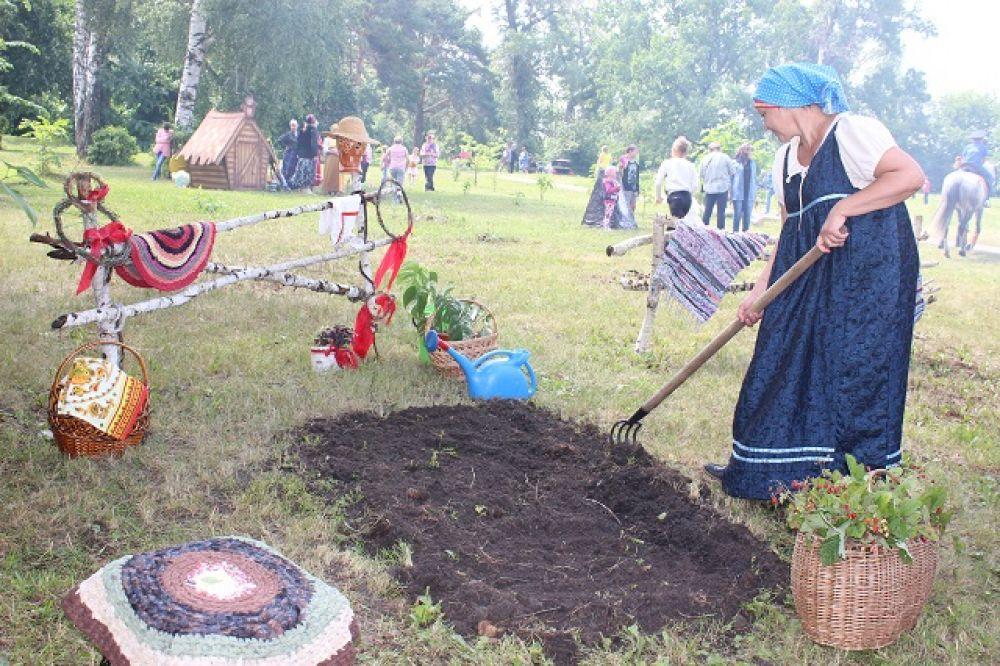 Реконструкция трудового дня крестьянки из села Аблязово.
